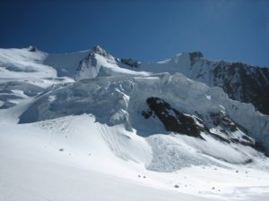 The seracs above the Ried glacier