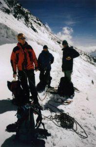 Ramon, Peter-Arjen, en Frank aan de voet van de Pollux - Alpen, september 2003