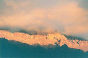 Surrealistische lichtreflexies op de Aconcagua westwand