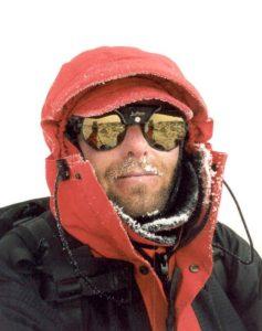 Op de top, zonder uitzicht (6.962m)